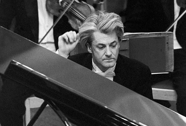 Пианист Станислав Нейгауз
