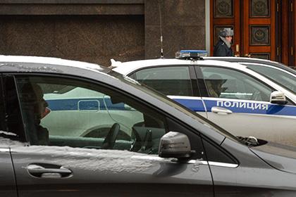 Упенсионерки украли 500 000 руб. ивысадили еенаМКАД