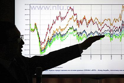 Рублю предсказали 10-процентную девальвацию в 2017г