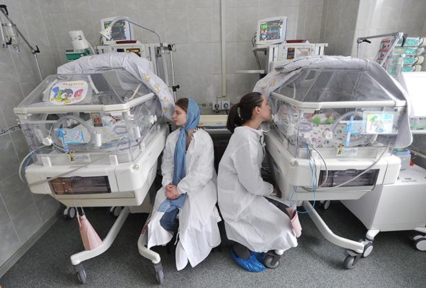 В отделении интенсивной терапии для новорожденных
