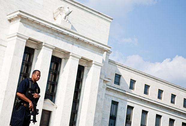 На последнем заседании 14 декабря ФРС ужесточила монетарную политику, повысив ставку до 0,50-0,75 процента.