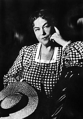 Александра Михайловна Коллонтай (урождённая Домонтович 1872-1952)