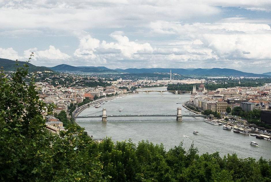 Лучший вид на Будапешт открывается с холма Геллерт