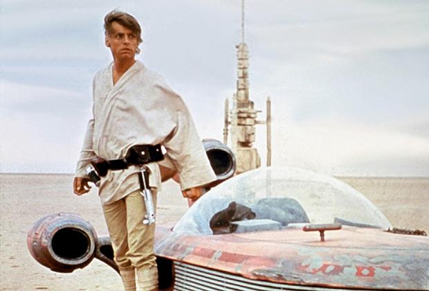 Люк продал лендспидер за две тысячи кредитов. За 10 тысяч кредитов можно было купить большой корабль.