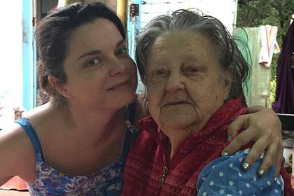 Наташа Королева прилетела на Украинское государство напохороны бабушки