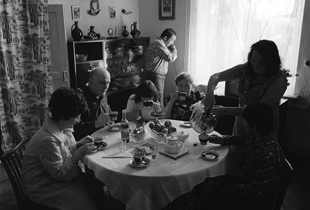 Семейное застолье, 1974 год