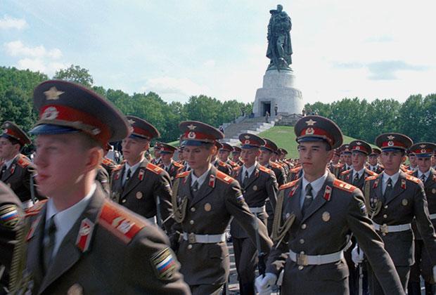 Вывод последних российских военнослужащих из Германии. Берлин, 1994 год