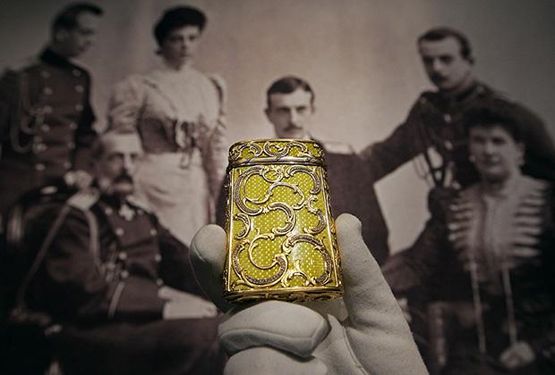 Портсигар из золота с эмалью от Фаберже, принадлежавший семье Романовых