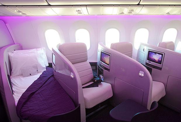 В бизнес-классе многие перевозчики предлагают кресла, которые раскладываются в полноценную кровать