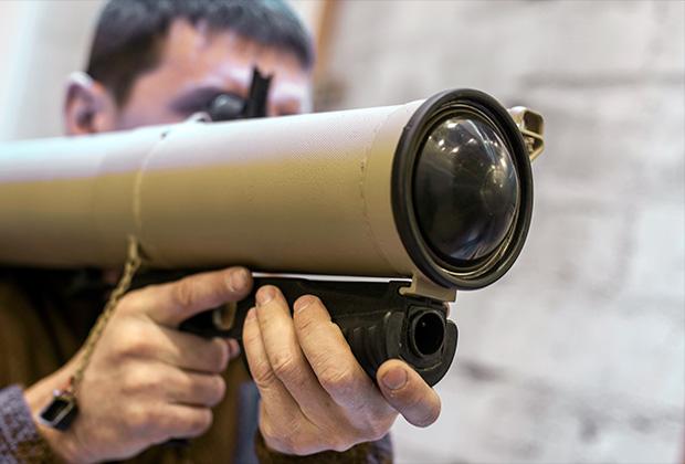 По предварительным данным, по кабинету Михаила Толстых выстрелили из огнемета «Шмель»