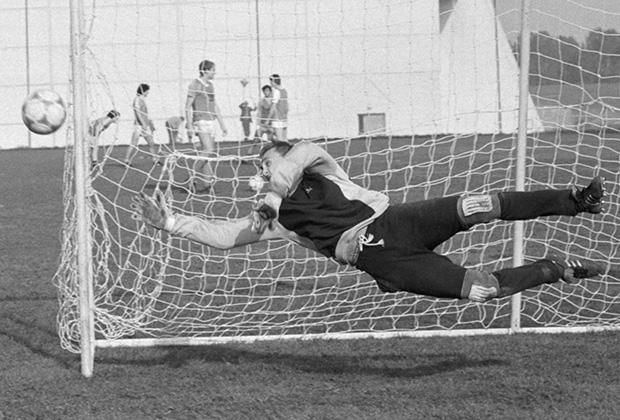 15 мая 1986 г. Футболист В. Чанов.