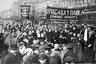 Демострация работниц Путиловского завода в первый день Февральской революции 1917