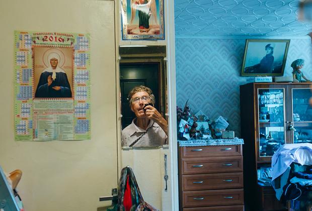 Юрий, 75 лет, и Галина, 61 год. Познакомились два года назад на танцах.   Юрий: «У меня никогда не было в жизни таких женщин, она меня сразила, я растаял от ее ласковых слов».