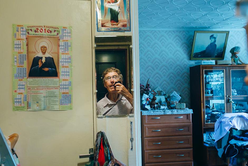 Юрий, 75 лет, и Галина, 61 год. Познакомились два года назад на танцах.  <br><br> Юрий: «У меня никогда не было в жизни таких женщин, она меня сразила, я растаял от ее ласковых слов».
