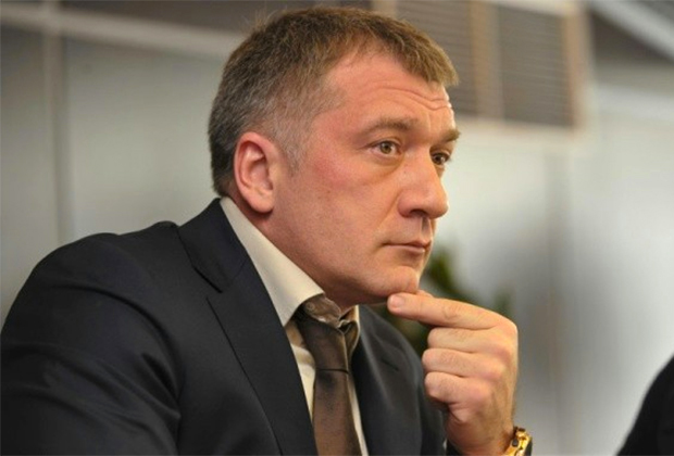 Депутат заксобрания Ленобласти Владимир Петров пообещал звезды с неба за стоящие законопроекты
