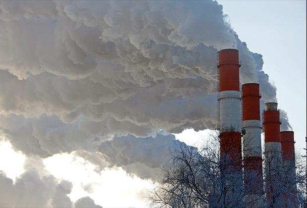 Трубы ТЭЦ-21 — предприятия энергетики московской энергосистемы, расположенного на северо-западе Москвы (промышленная зона Коровино)