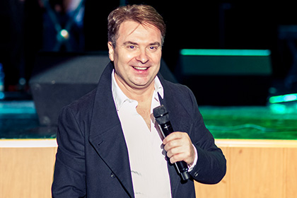 В столице суд на1,5 года лишил водительских прав композитора Добронравова