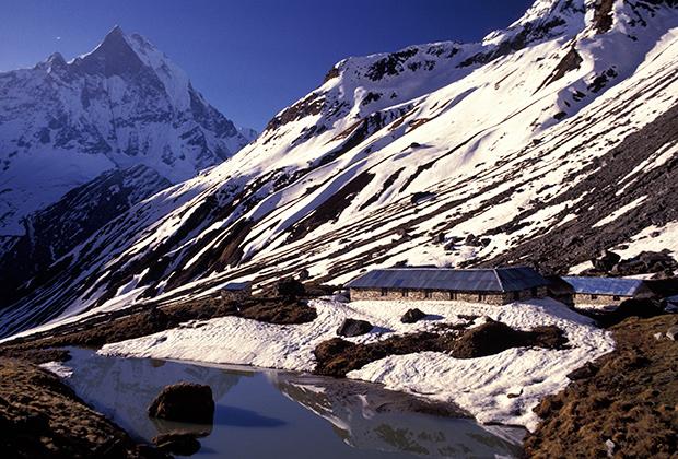Базовый лагерь под горным массивом Аннапурна