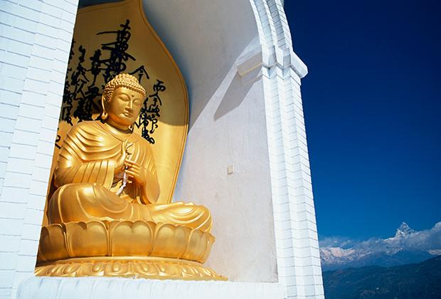 Лучший вид на Покхару открывается со Ступы Мира – памятника на вершине холма Ананда