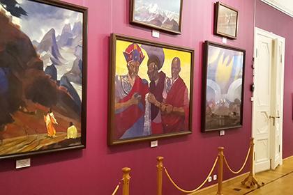 Изъятые из интернационального центра Рерихов картины переданы вМузей Востока