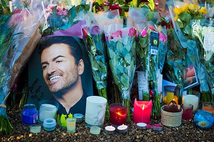 Объявлена причина смерти певца Джорджа Майкла