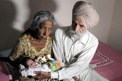 Родившая в 72 года индианка рассказала о последствиях поздней беременности