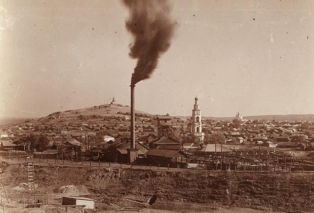 Бизнес Демидовых быстро развивался, к середине века они владели тремя десятками предприятий.