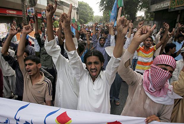 Демонстрация в Пакистане против «культурного терроризма» США, поддержавших пакистанское ЛГБТ-сообщество