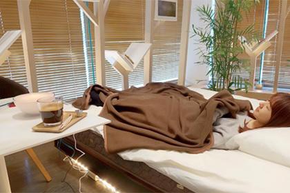 В Японии открыли кафе с кроватями для посетителей - Real estate