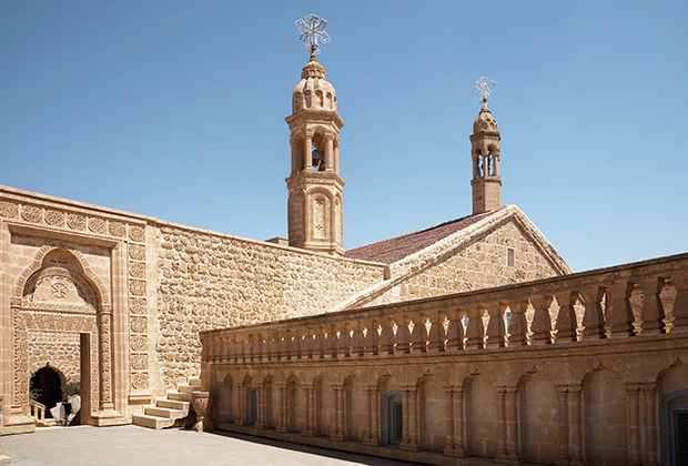 Монастырь Мар Габриеле, построенный в 397 году, считается старейшим в регионе