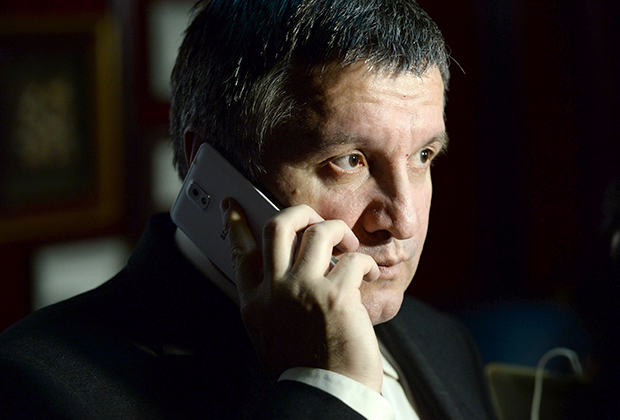 Отсутствие реакции на появление Вороненкова в Киеве может быть доказательством, что бывшего депутата курировал и глава украинского МВД Арсен Аваков