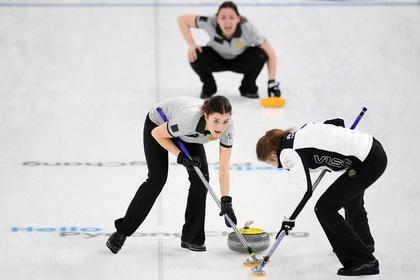 Игроки сборной России Мария Комарова (слева) и Дарья Морозова