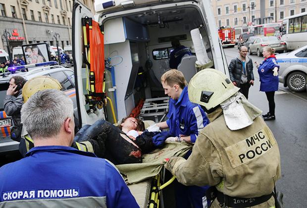На месте теракта в метро Санкт-Петербурга
