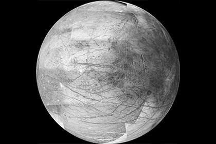 Hubble сделал снимки гигантских извергающихся криовулканов Европы