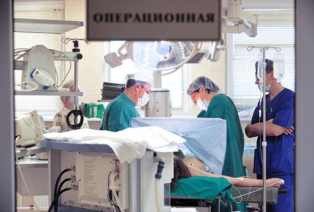 Идея запретить в Узбекистане мужчин-гинекологов вызвала у женщин негодование