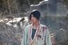 Такаси Миике еще лет десять-пятнадцать назад разнообразием, радикальностью и неординарностью своих фильмов заслужил редкий в современном кино статус: он фигурирует вне любых контекстов — японского кино, фестивальных преференций, жанровых рамок и правил хорошего вкуса. При этой обособленности от любых веяний моды и запросов аудитории Миике продолжает снимать по два-три фильма в год, в диапазоне от лютых якудза-боевиков до абсурдистского манга-фэнтези. Канны же не упускают возможности лучшие из них показывать вне конкурса или в параллельных секциях. <br><br> «Клинок бессмертного» по описанию кажется идеальным для Миике материалом — это экранизация манги о неупокоенном самурае, которому нужно убить тысячу человек, чтобы наконец познать смерть.