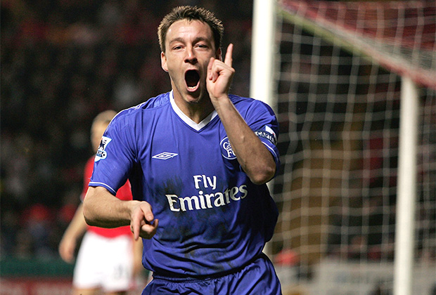 LONDON, ENGLAND - NOVEMBER 27: John Terry of Chelsea celebrates scoring his first goal during the Barclays Premiership match between Charlton Athletic and Chelsea, held at The Valley Stadium on November 27, 2004 in London, England. (Photo by Richard Heathcote/Getty Images)
