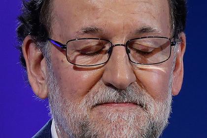 Премьер Испании будет показывать всуде покоррупционному делу