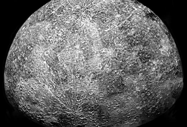 Составленное из снимков станции Mariner 10 изображение Меркурия