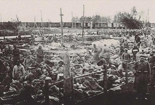 Октябрь 1920 года. Концентрационная станция для пленных красноармейцев