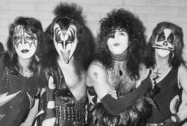 Kiss, 1976 год