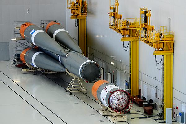 Ракета-носитель «Союз-2.1а» в монтажно-испытательном корпусе на территории технического комплекса космодрома Восточный
