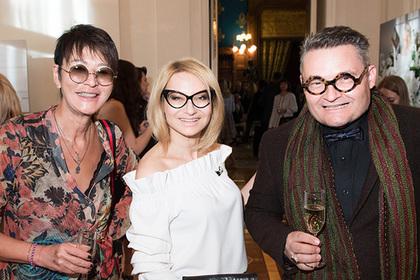 Эвелина Хромченко собрала известных людей на стильный вечер
