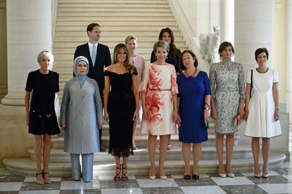 Муж премьер-министра Люксембурга присоединился к первым леди на саммите НАТО