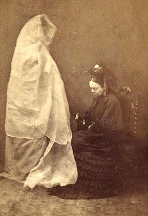 Леди Хелена Ньюенхэм и призрак ее дочери, 4 июня 1872