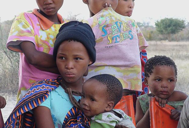 Бушменские дети из Намибии
