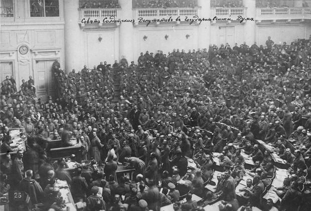 Собрание большевиков в 1917 году в Петрограде.