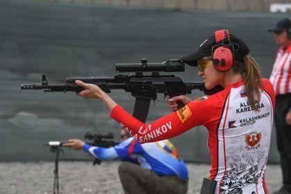 Алена Карелина (сборная России) на I чемпионате мира по практической стрельбе из карабина