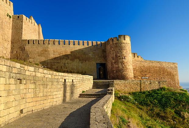 Дербент был основан персами в 438 году