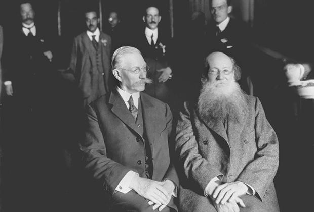 Участники Государственного совещания Милюков и Кропоткин, 1917 год